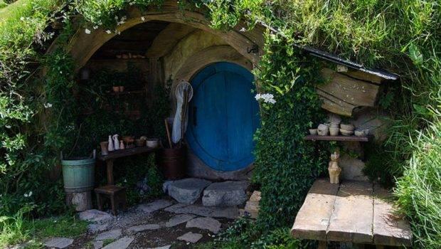 Very Cool Hobbit House Designs