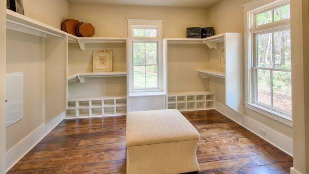 Walk Closet Window Master Suite Features
