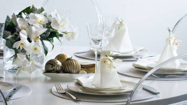 White Adorable Christmas Table Decorations Ideas