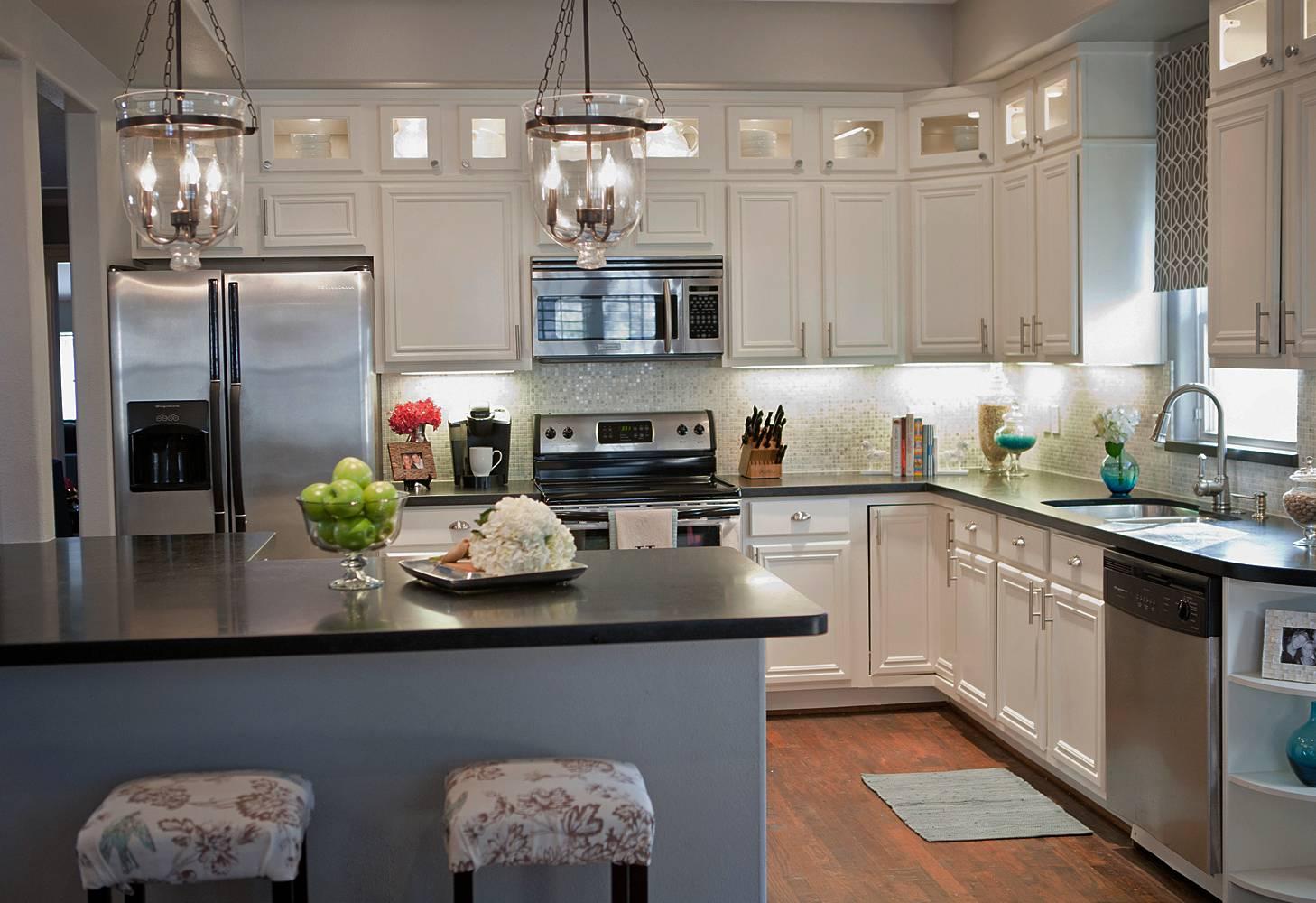 White Cabinets Light Gray Walls Kitchen Awesomeness ...