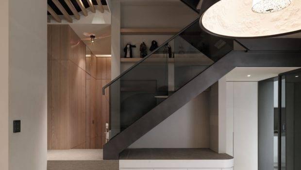 White Modern Staircase Interior Design Ideas