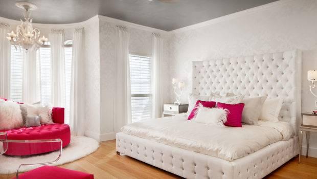 White Patterned Damask Teen Bedroom
